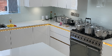 Experienced kitchen fitter