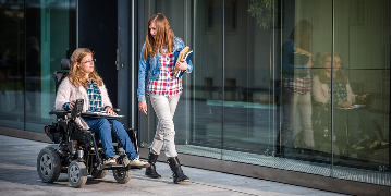 LIVE IN CARE: TIRED OF THE OFFICE? WORK WITH YOUNG DISABLED ADULTS: £770pw