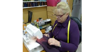 CLOTHING ALTERATIONS SEAMSTRESS