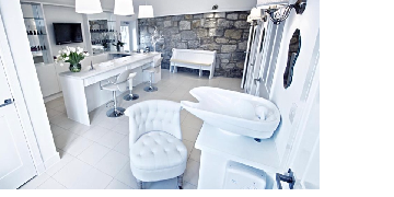 Hairdressing chair for rent within 5 star salon, Kilsyth