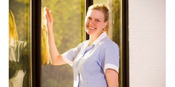 Cleaners wanted in Burgess Hill £10/hour CASH