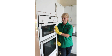 House cleaner jobs - Immediate start - Regular work - Day time hours during the week