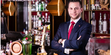 Elegant Restaurant And Bar Manager To Bar Manager